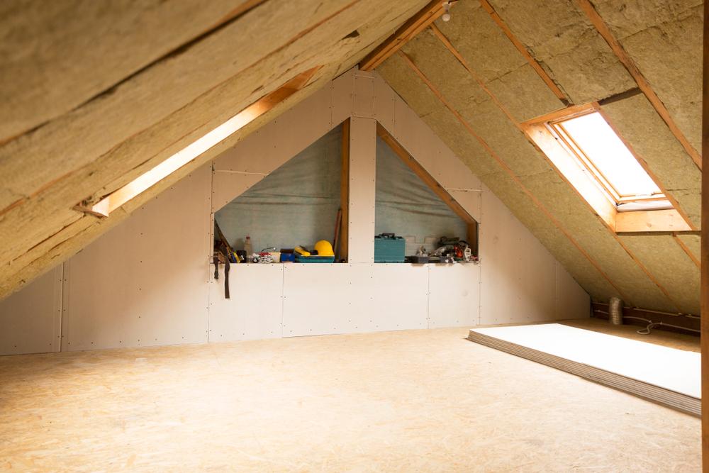 Isoler son toit par l'intérieur : le guide complet