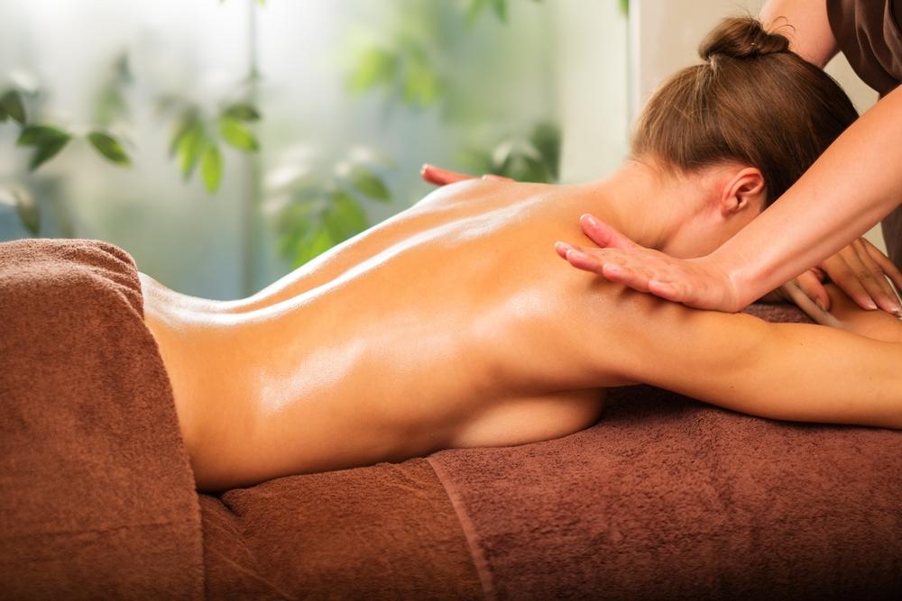 Huile de massage : Pourquoi pas l'huile de CBD ?